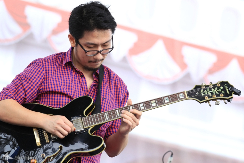 "Robert MR ""Jazz Kota Tua"" 2014. Mia Damayanti"